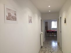 entrance-%22hall%22with-living-room-in-fondo